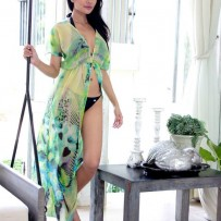 Cut-out dress with a wide cleavage – Greenery of nature